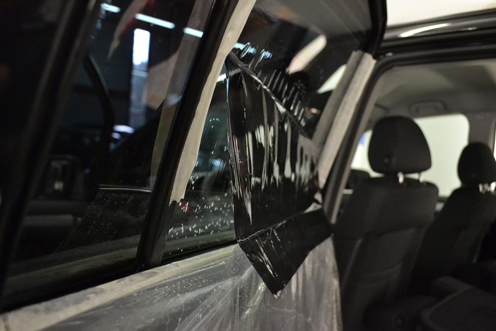 film pour vitre voiture film pour fen tre filmeo film solaire noir pour vitre voiture fen tre. Black Bedroom Furniture Sets. Home Design Ideas